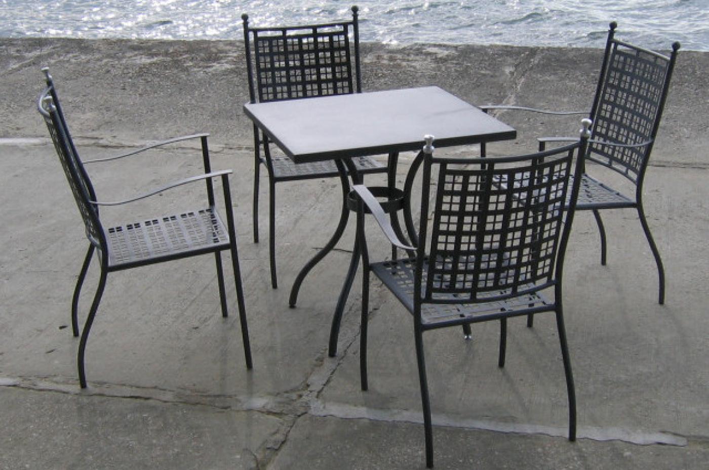 Kvadratna miza Oliver